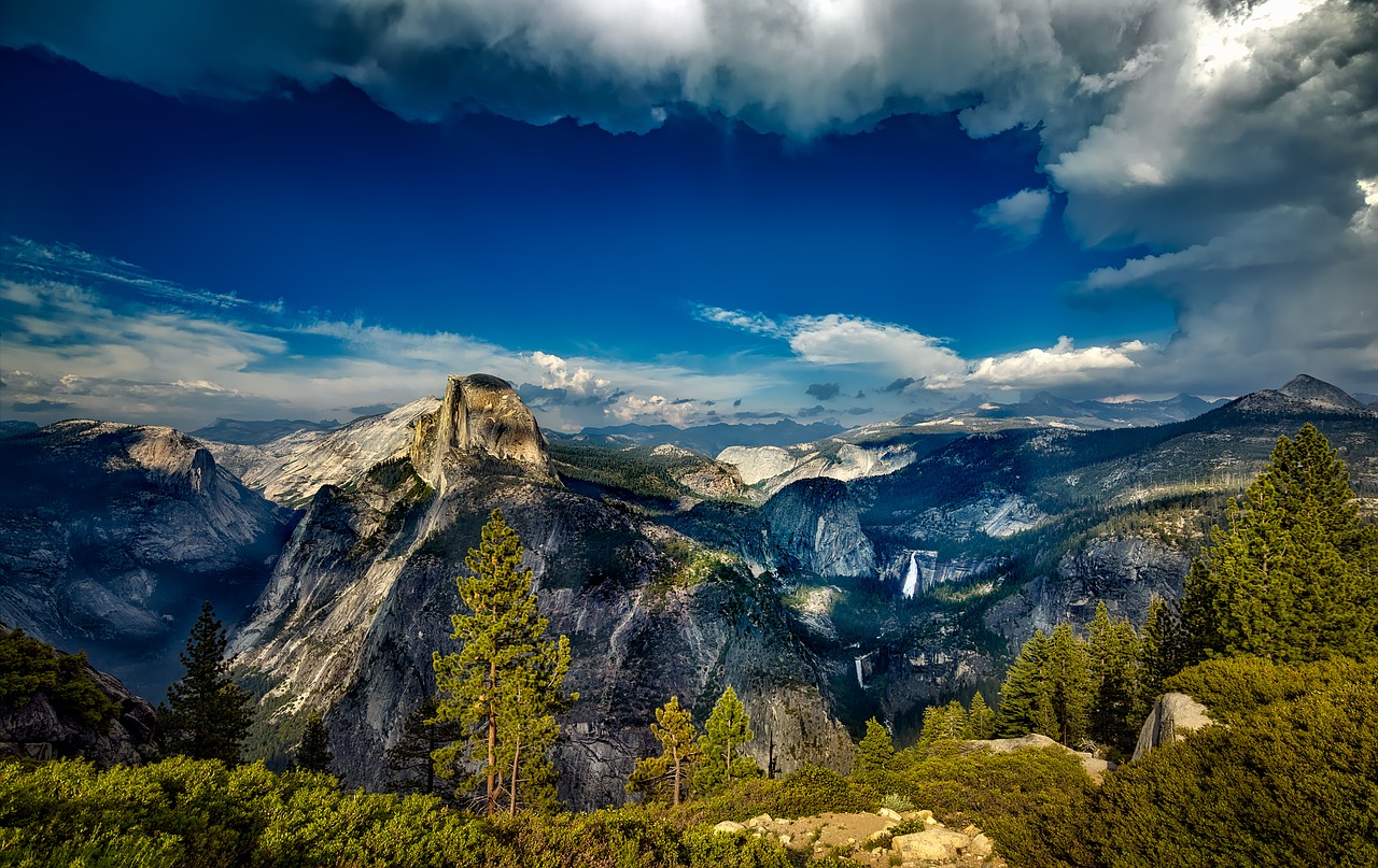 Hiking Half Dome Yosemite National Park in California